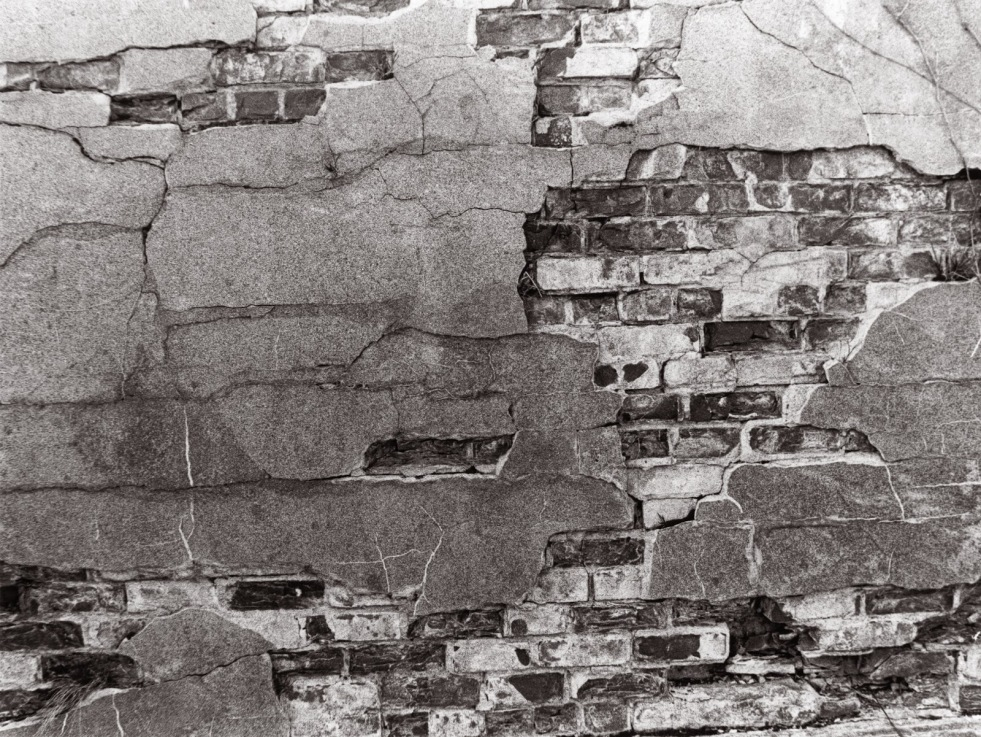 d6fd3-crumbling-wall